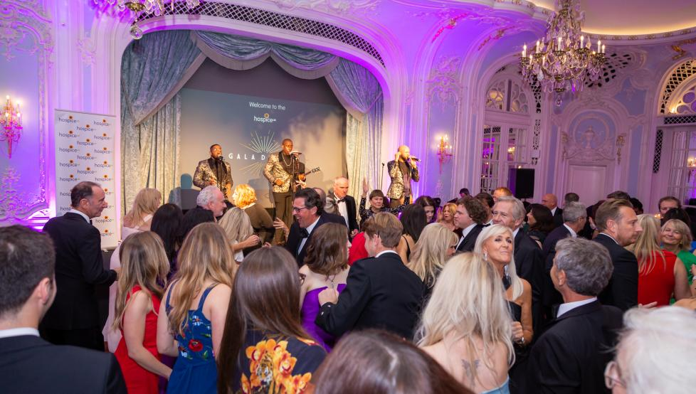A photo from the 2021 Hospice UK Gala Dinner